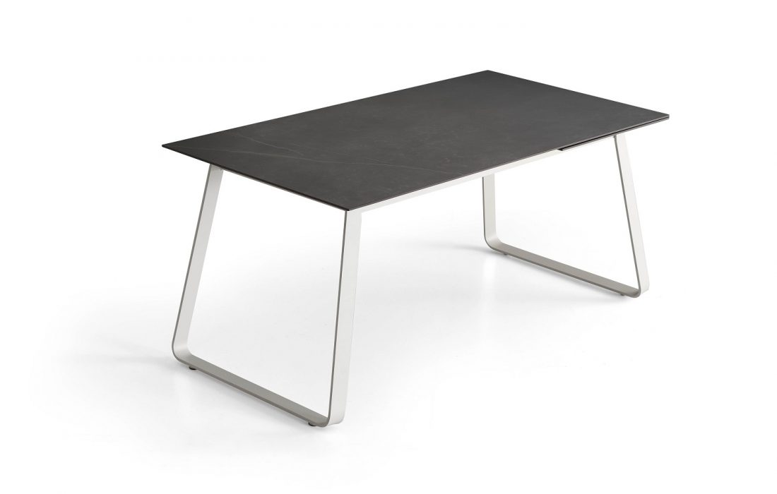 TABLE MIKA DEKTON KELYA