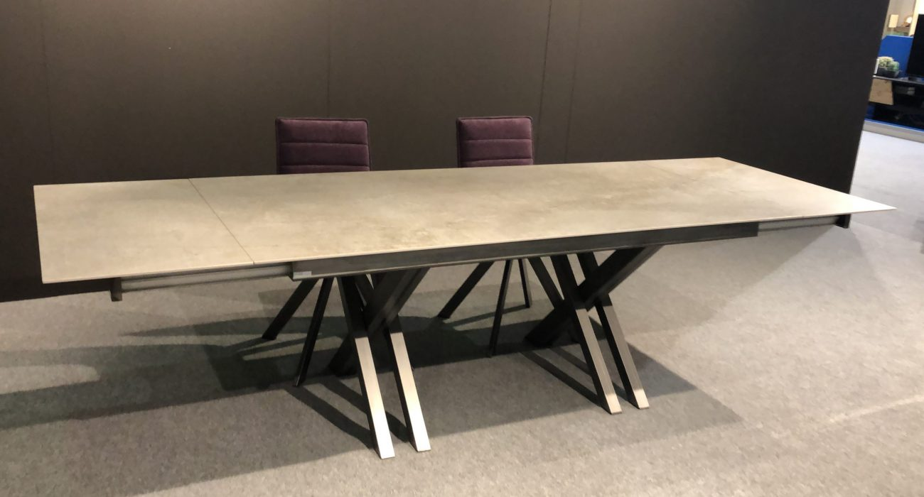 CROSSFIRE-MESA DE COMEDOR-TABLE DE SALLE A MANGER-EESTISCH-DINING TABLE